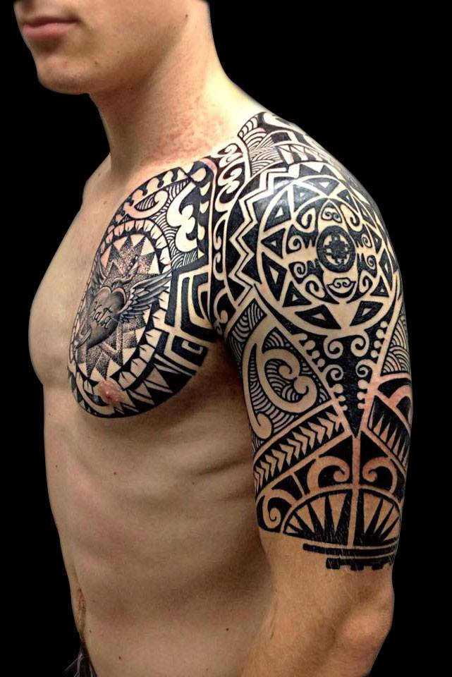 Portfolio of our tattoo artist Thiago, who specializes in japanese, maori / polynesian and old school tattoos